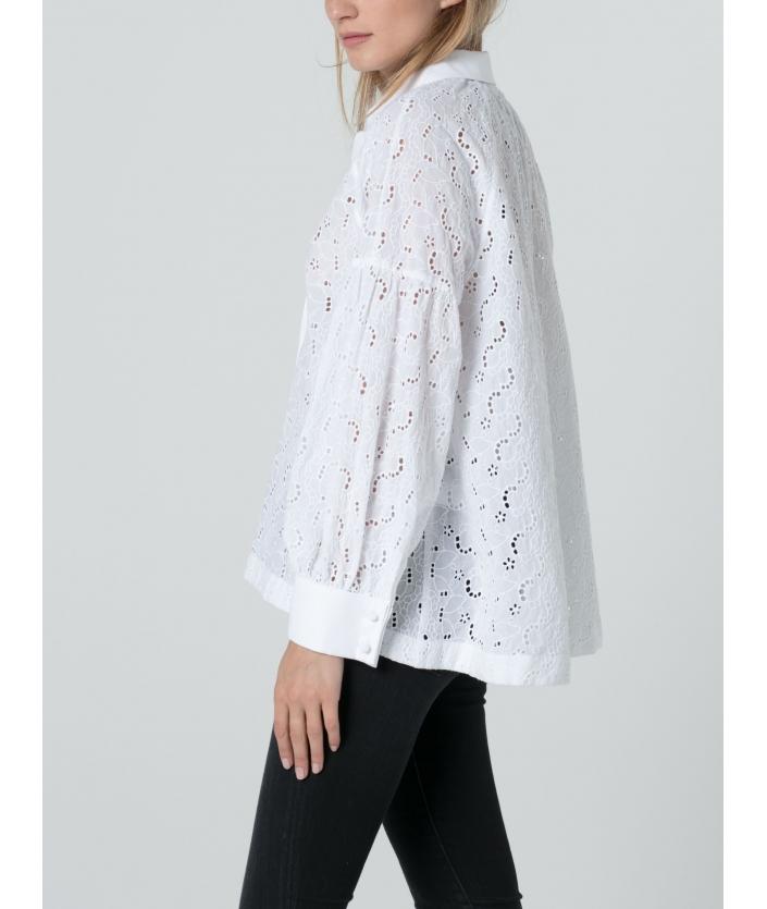 Chemise blanche en broderie anglaise et popelie de coton