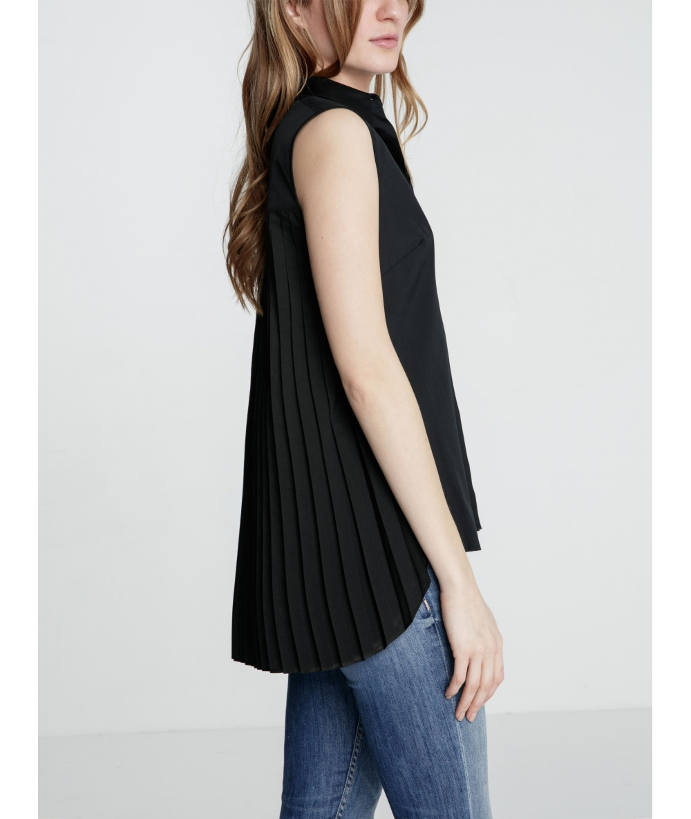 Chemise Nikki noire plissée dans le dos