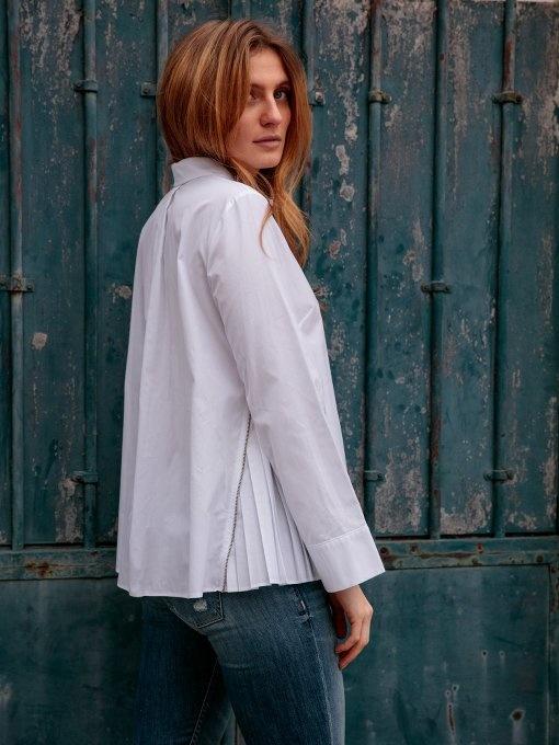 chemise luxe et jean pour le travail